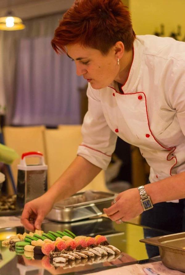 Chefica Danijea priprema jelo (Fotografija privatni album)