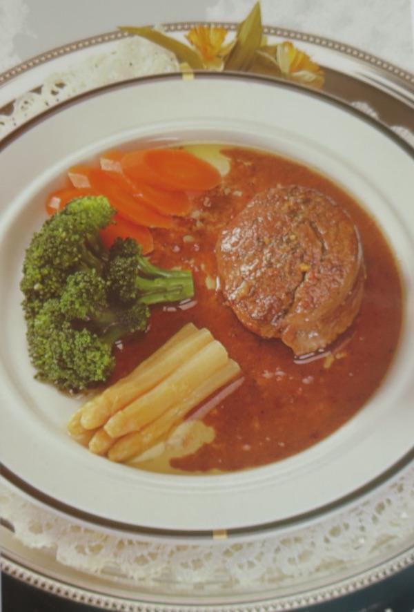 Stil fotografiranja i dizajniranja jela otprije bviše od 20 godina (Fotografija Vegeta u svijetu/ Davor Marjanović / Oblizeki)