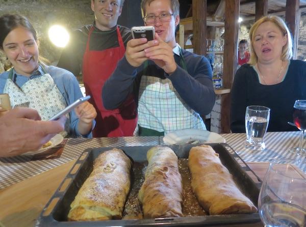 Pečeni štrudl: čiji je najljepši, čiji je najukusniji? (Fotografija Božica Brkan / Oblizeki)