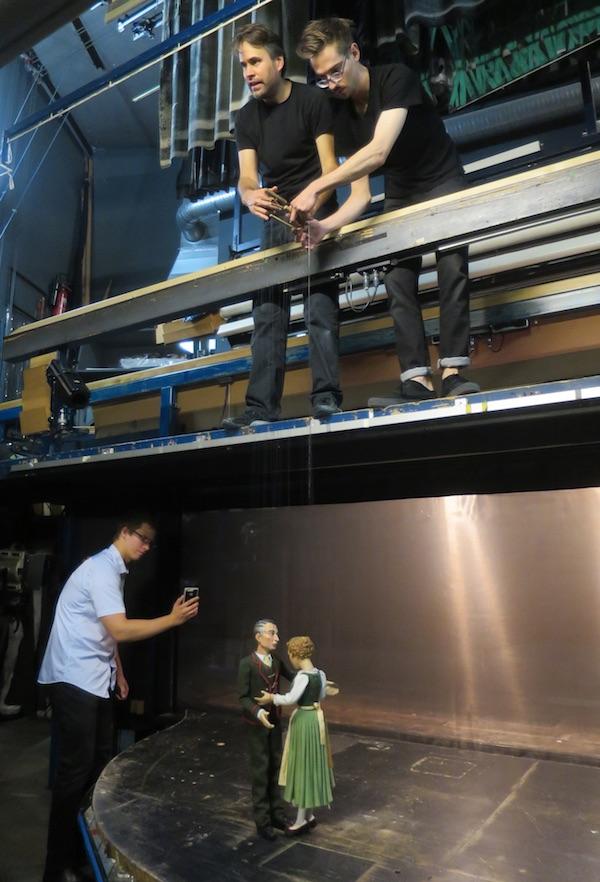 Rijetka prestava - iza pozornice Marionettetheatera (Fotografija Božica Brkan / Oblizeki)