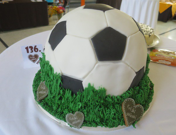 Torta-lopta (Fotografija Miljenko Brezak / Oblizeki)