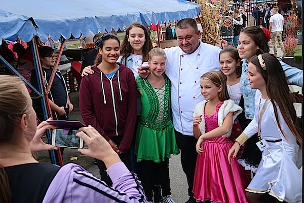 Selfi s proslavljenim chefom Špičekom (Fotografija Miljenko Brezak / Oblizeki)