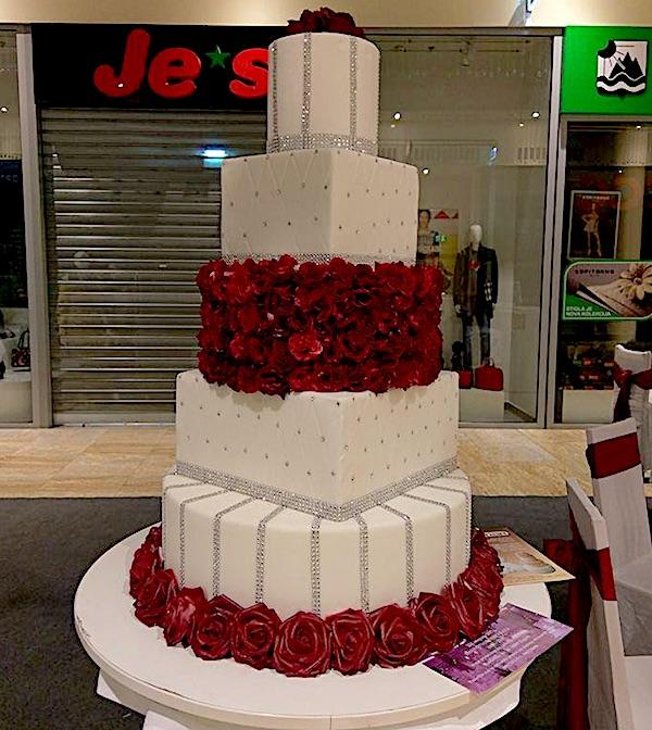 Svadbena torta Kolača Kašnar s Weddng Expo West gate Zagreb (Fotografija Davorka Geršak / Pekarski glasnik)