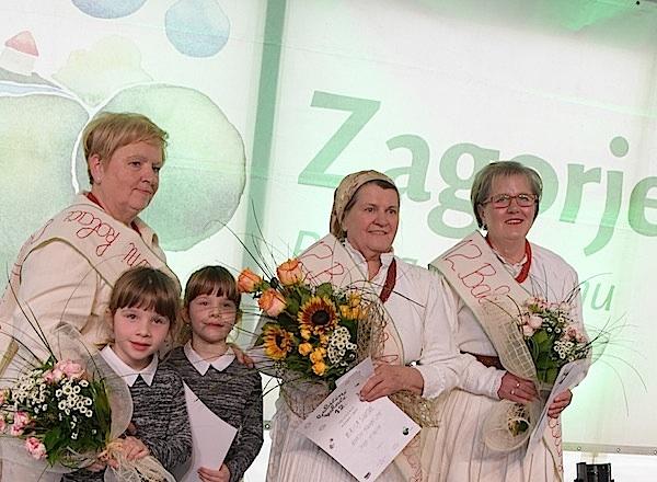 Na pobjedničkom tronu 12. Babičinih kolača: Mirica Sinković u sredini (Fotografija Krapinsko-zagorska županija)