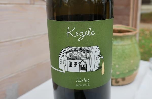 Etiketa Kezeleova škrleta (Fotografija Božica Brkan / Oblizeki)