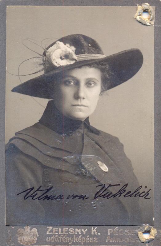 Gospođa Vilma, sad već von Vukelich, kad još nije bila omama (fotografija iz knjige Kolači moje omame Vilme)