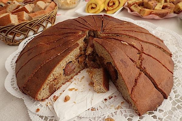 Olga Hršak ispekla je zagorski kukuruzni kolač s - češnjovkom! (Fotografija Miljenko Brezak/ Oblizeki)