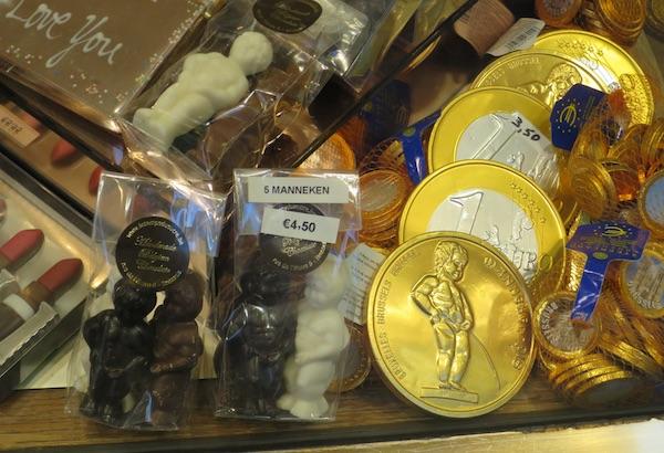 Ponajbolja čokolada oblikovana je i u bruxellesku znamenitost Mannnekena Piska (Fotografija Božica Brkan / Oblizeki)