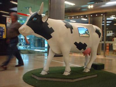 La vaca de Rodrigo, con tele incorporada