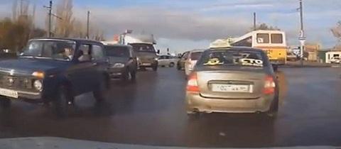 Em um dia normal no trânsito da Rússia #12