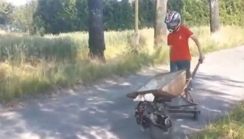 Carrinho de mão motorizado