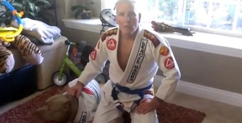 Pitbull lutador de Jiu-Jitsu
