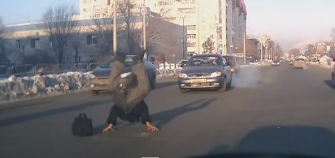 Em um dia normal no trânsito da Rússia #34