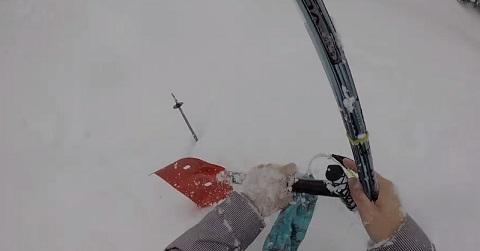 Esquiador e soterrado por avalanche e seu resgate tem que ser rápido