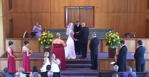Como interromper um casamento de forma inusitada