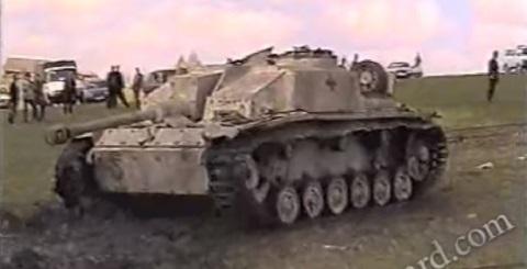 Desenterrando tanques da segunda guerra mundial