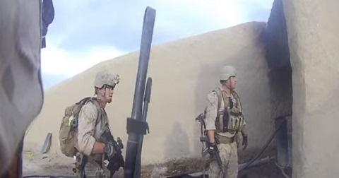 Soldado leva tiro de sniper e sobrevive graças ao capacete