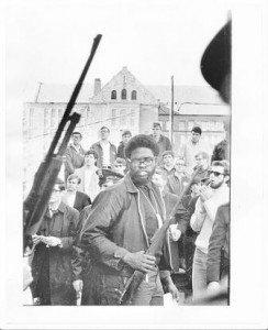 guns with blacks 03