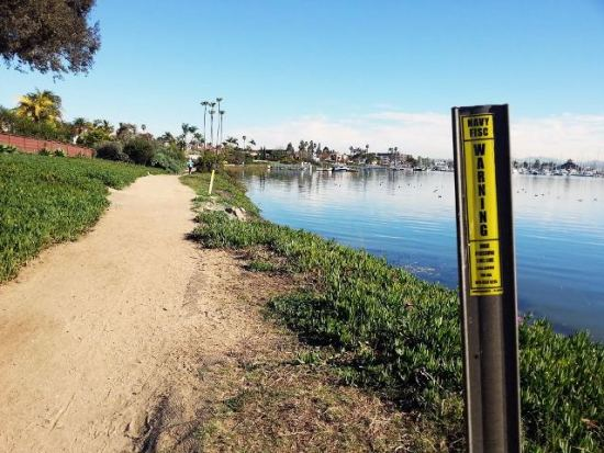 Point Loma Navy pipe trail