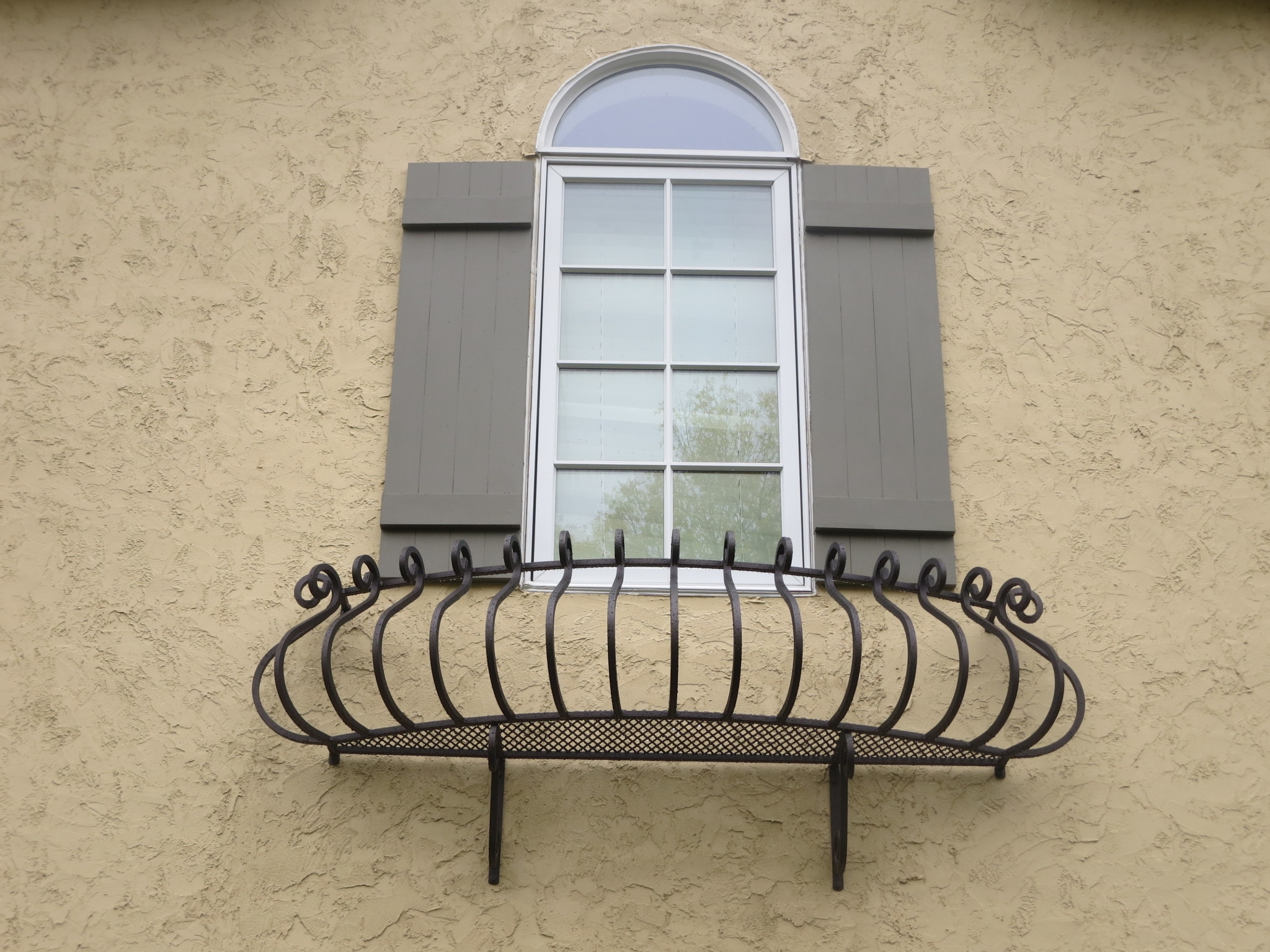Ornamental Iron Wrought Iron Products O Brien Iron | Curved Wrought Iron Railings | Colonial | Wood | Wall Mounted | Outdoor | Veranda