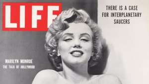 life-marilyn-saucers