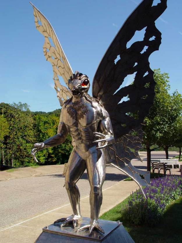 mothman_statue