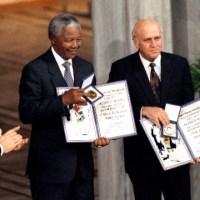 •Nelson Mandela: Premio Nobel de la Paz – 1993.