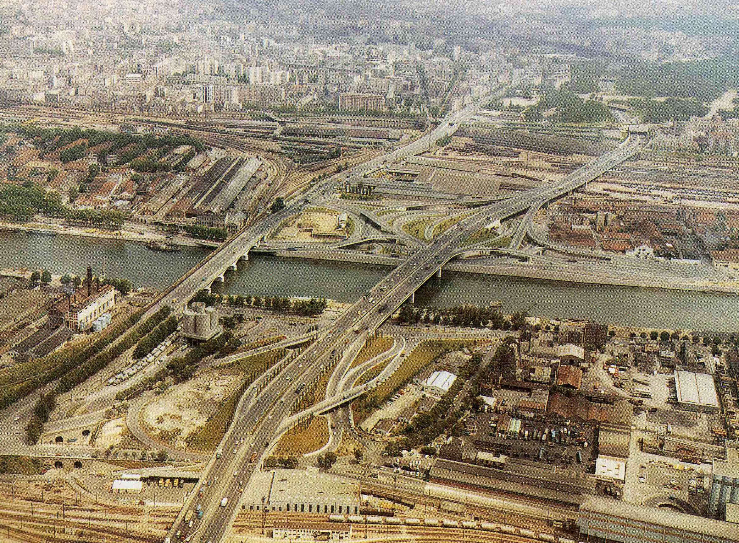 lechangeur-de-bercy-et-le-franchissement-de-la-seine-19681