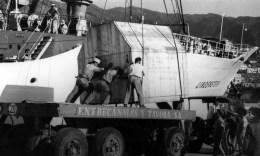Descarga del primer grupo de la central de Los Guinchos en 1966.
