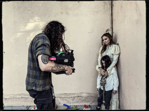 "Ronny Staebler shoots Drea de Matteo and her son Blackjack in ""Rats in Ruin."""