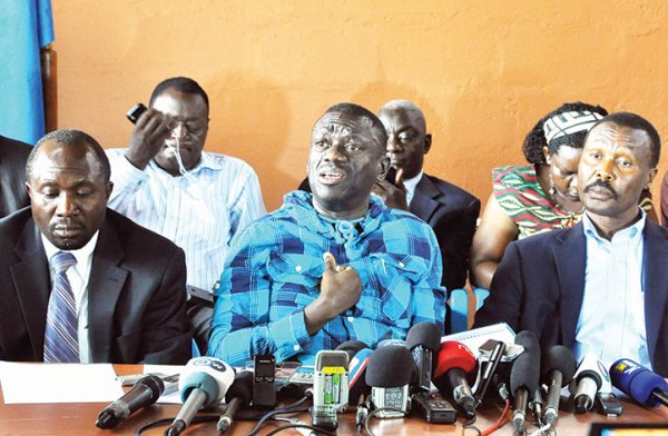 Besigye looks to walk-to-work top leaders to propel Defiance