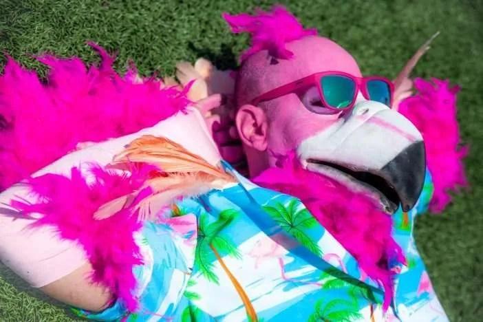 Goodr Flamingos-On-A-Booze-Cruise-OG-PK-TL1-Lifestyle-6