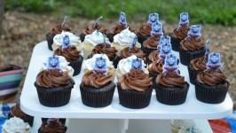 Thomas Cupcakes with Picks (1280x725)
