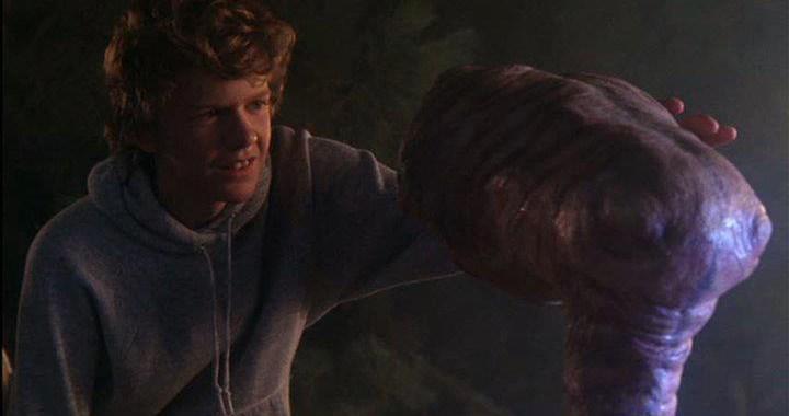 Robert Macnaughton meets a new friend in 'E.T.'