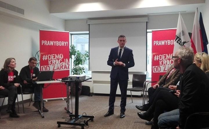 Michał Jaros na konferencji o prawyborach, którą we Wrocławiu zorganizowali Obywatele RP