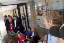 Obywatele RP okupują biuro przepustek w Sejmie