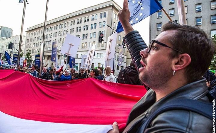 """Igor Isajew na demonstracji """"Europo, nie odpuszczaj!"""""""