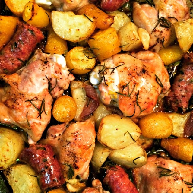 Receita de frango assado com linguiça, mandioquinha e batata (O Caderno de Receitas)