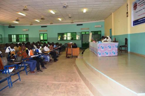 Une vue des participants à la session