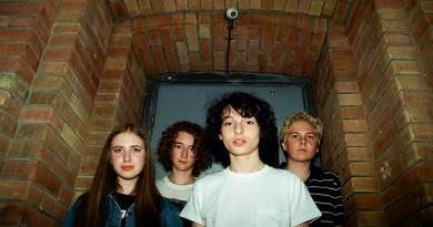Stranger Things | Banda de Finn Wolfhard conquista gravadora