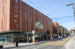Pohled na nákupní centrum