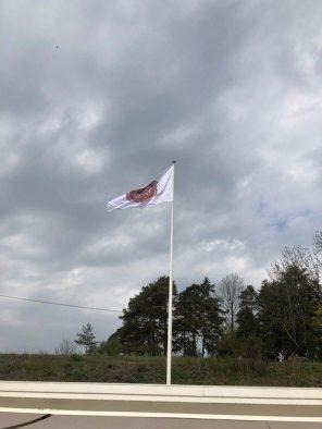 Flagget til topps