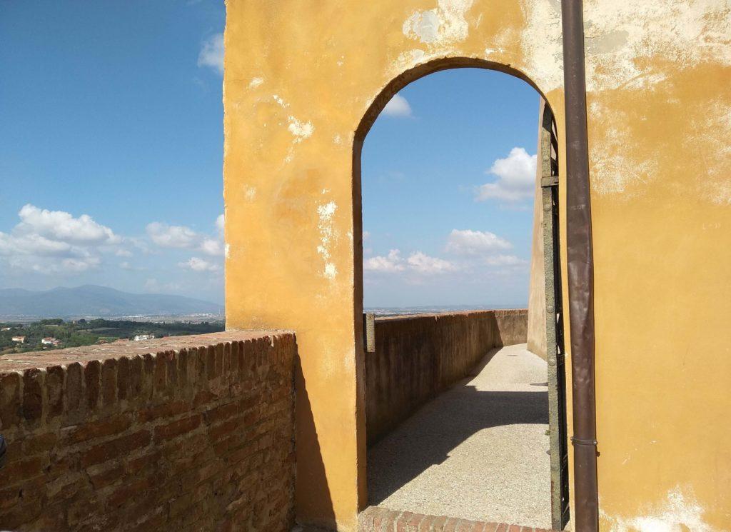 Visiter Valdera Toscana - Le Château de Lari