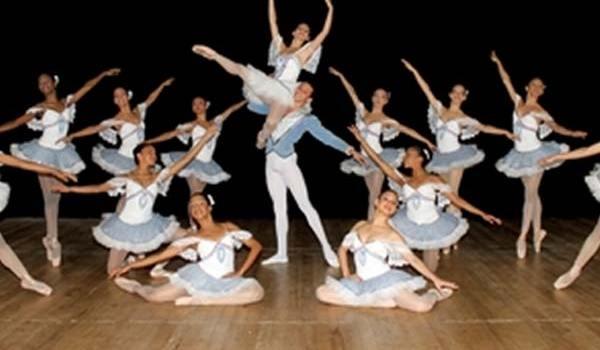 grado-de-bachilleres-artisticos-en-ballet-clasicojul18