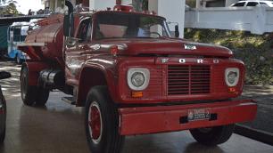 Máquina clásica de los bomberos de Cartago