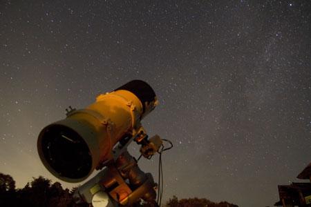 彡(^)(^)「真夜中に望遠鏡覗いたろ!!」