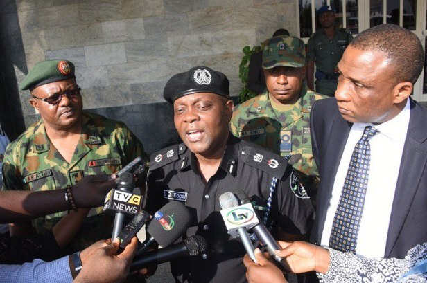 Lagos state police commissioner Imohimi Edgal held peace talk meetings with NURTW Lagos before the rally that turned violent (Punch)
