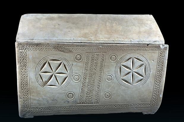 Ossuarium znalezione w grobowcu w jerozolimskiej dzielnicy Talpiot