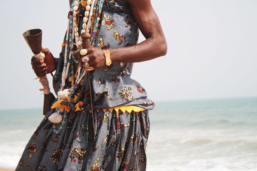 Voodoo worshipper at Ouidah beach [Griot Mag/ Janine Gaelle]