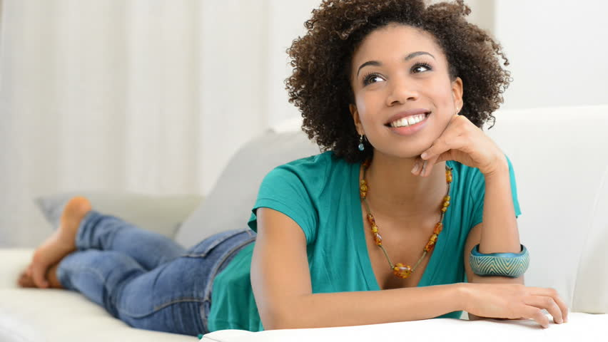 8 things a woman does only when she's mad over you | Pulse Nigeria